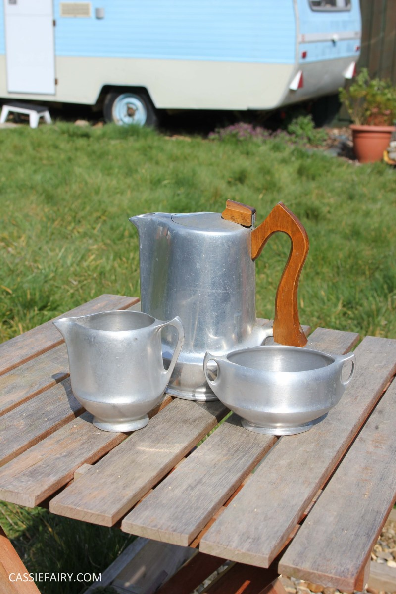 1950s Picquot Ware & my tips for polishing metal
